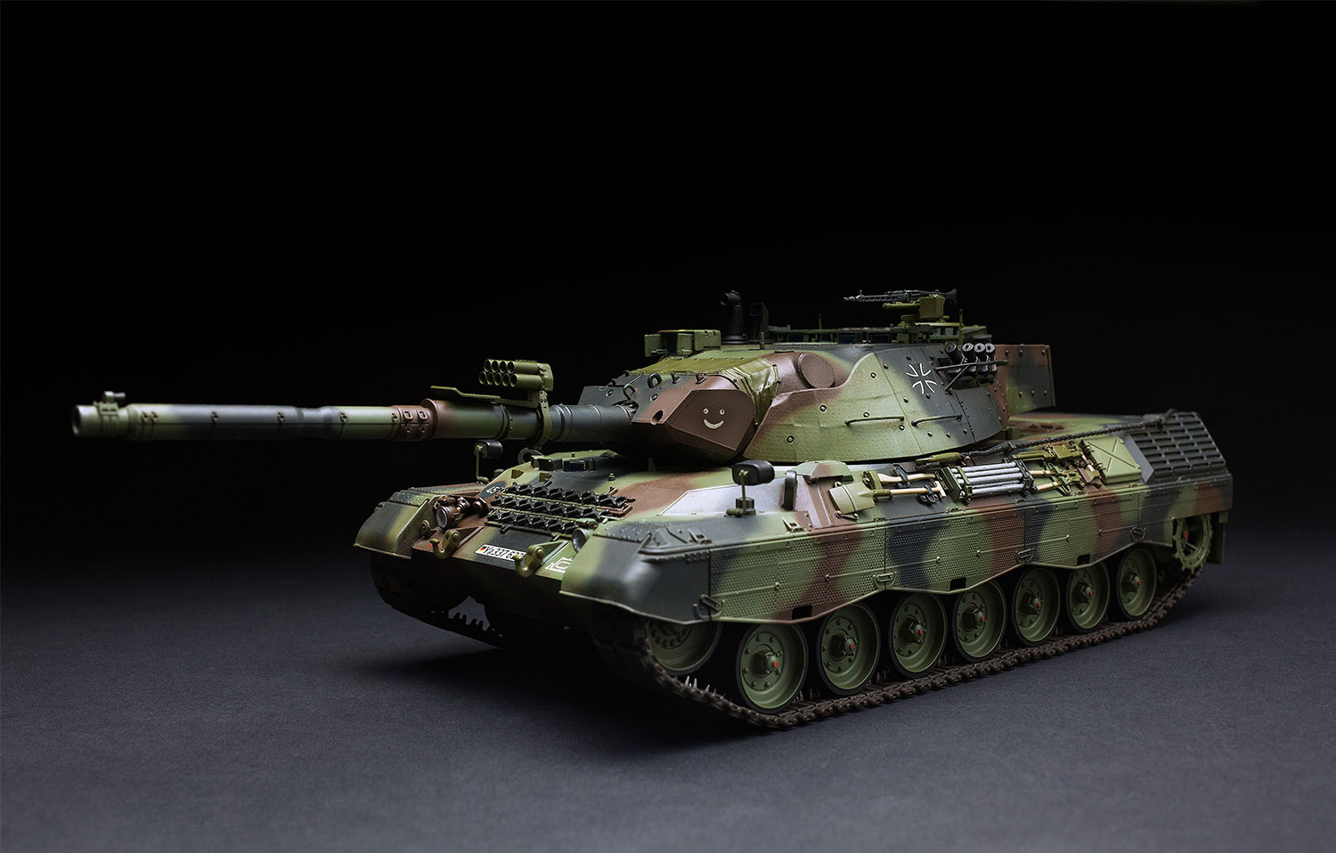 Meng-TS-015-Model-1-35-German-MBT-Leopard-1A5-NEW-Models-Armour-Hot thumbnail 2