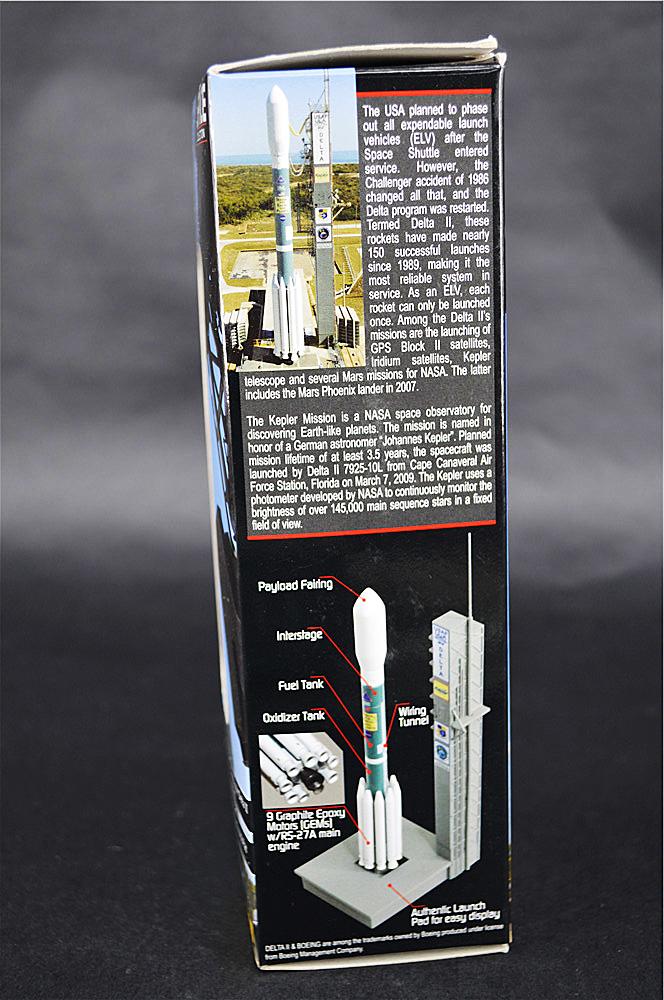 Details about DRAGON DELTA II ROCKET SHARK'S MOUTH w/Launch PAD 1/400  Diecast Rocket Model