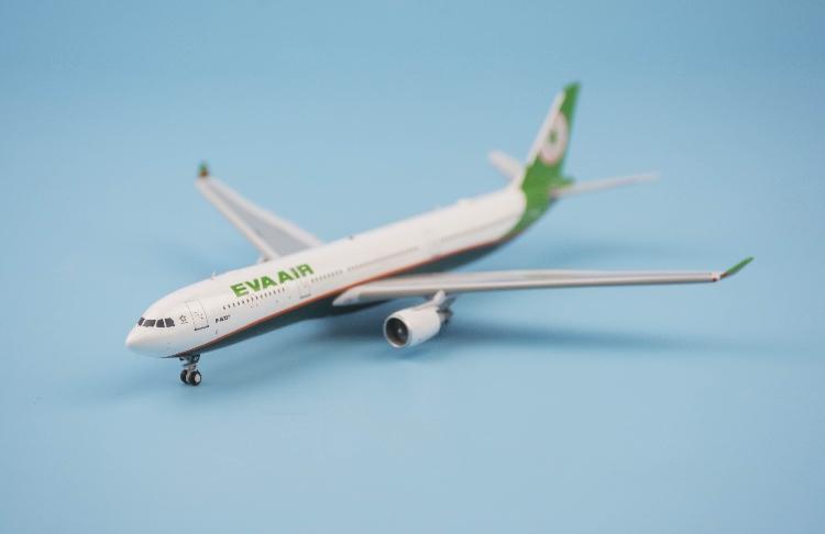 Aviation EVA Air Sanrio Characters Airbus A330-300 B-16332 1//400 diecast plane