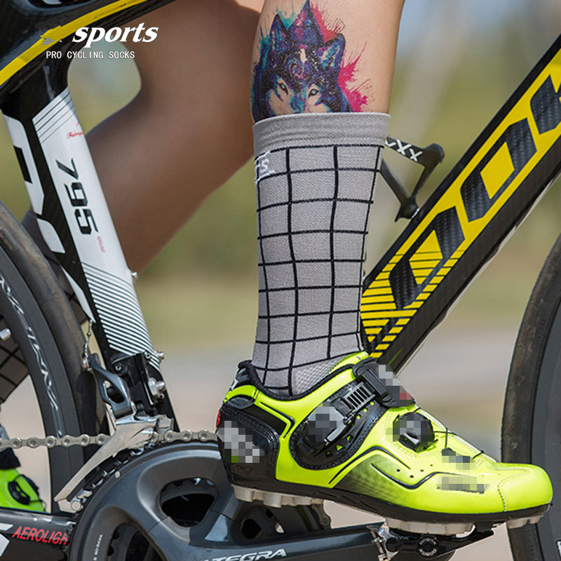 Pro Men Women Cycling Ankle Sport Socks XC Riding Bicycle Breathable Socks Pink