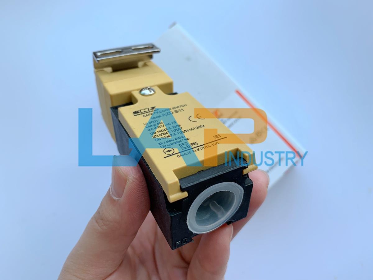 1pcs New SHINOZAKI AZD-S11 safety door switch