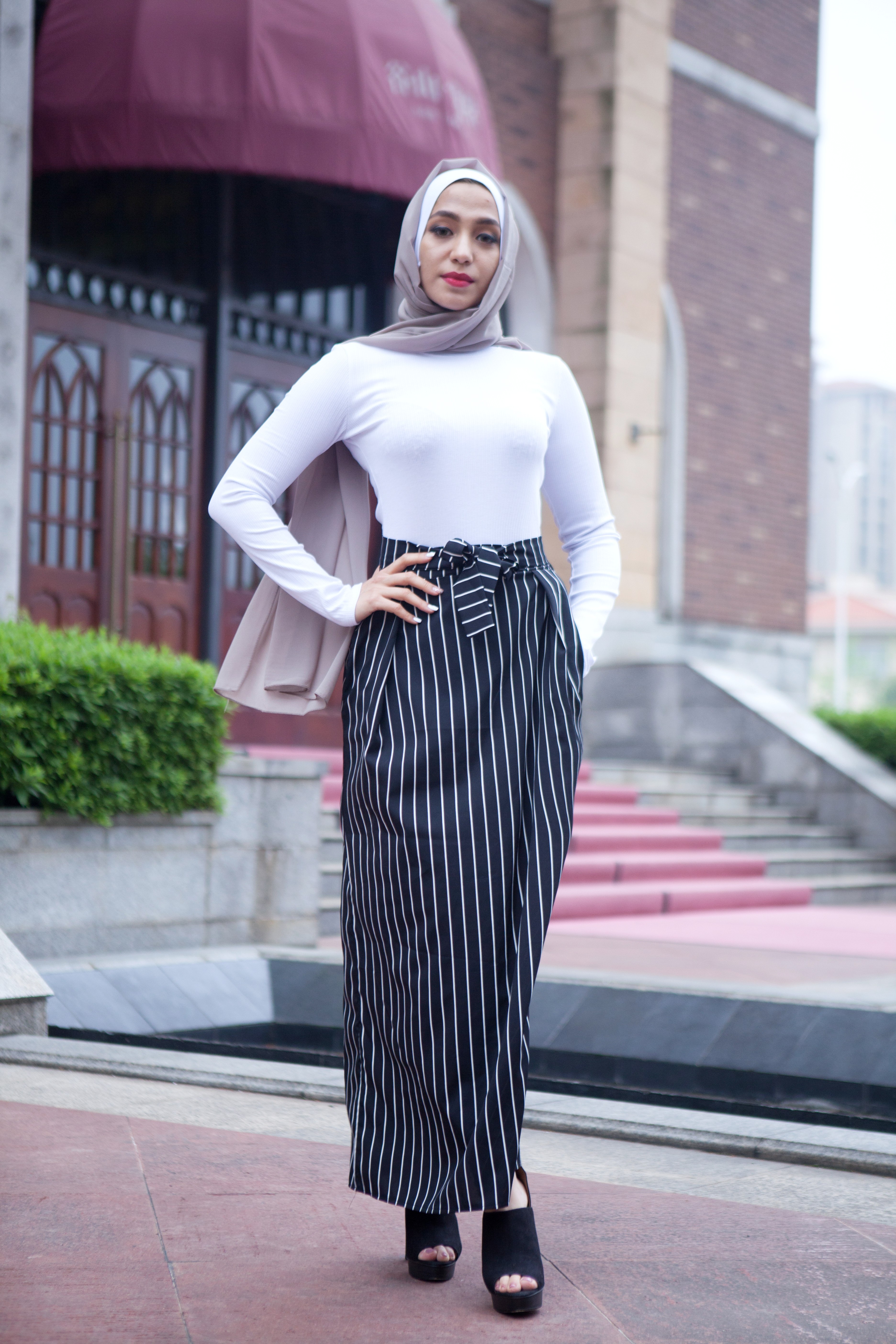 5c5983210b0e4a Details about Black White Vertical Stripes Muslim Long Maxi Skirt Islamic  Knot Dress Bandage