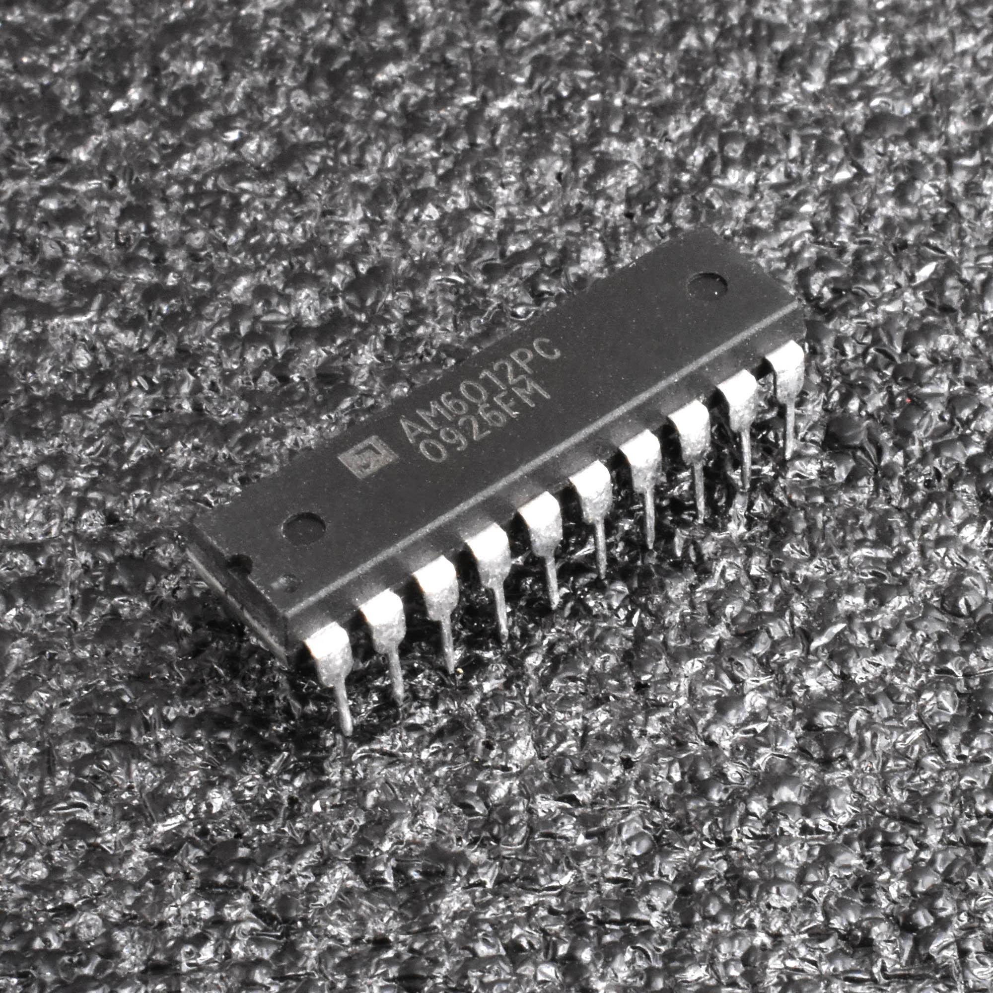 1PCS AM6012PC AM6012 DIP-20 12-Bit Digital-to-Analog Converter IC L2KD