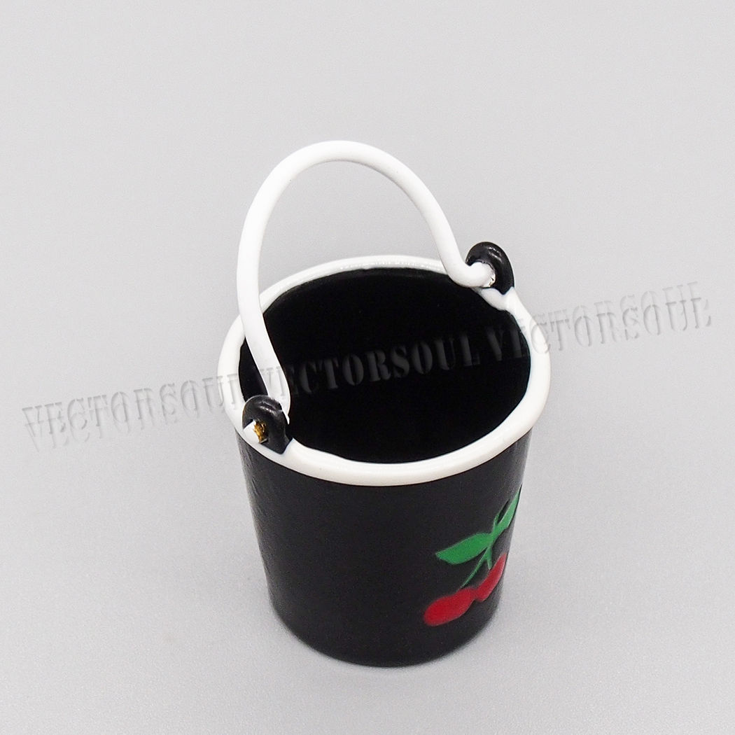 1:12 Dollhouse Black Metal Bucket Cherry Pail Garden Kitchen Miniature Decor Toy
